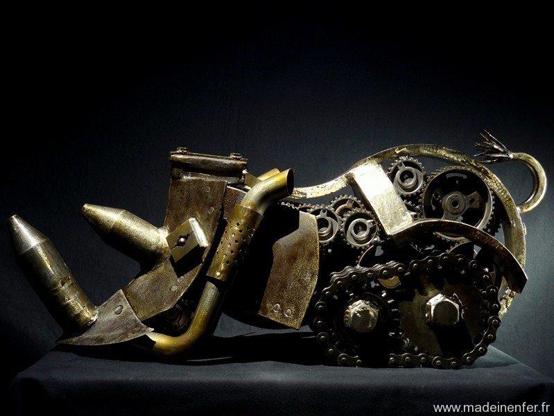 pascal-frieh-sculpture-metal-mecarhino-7
